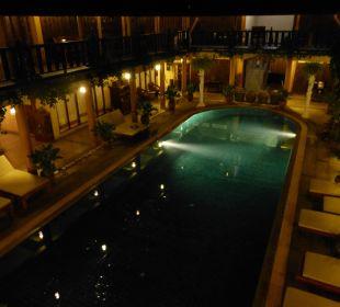 Pool Ruean Thai Hotel