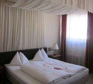 Baldachin-Bett im Romantikzimmer Altstadthotel und Residenz Wolf-Dietrich