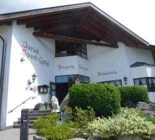 Haupteingang Dorint Sporthotel Garmisch-Partenkirchen
