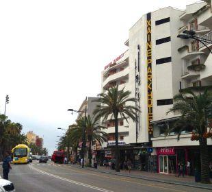 Taxihaltestelle vor dem Hotel Hotel Xaine Park