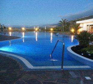 Pool am Abend Hotel Luz Del Mar