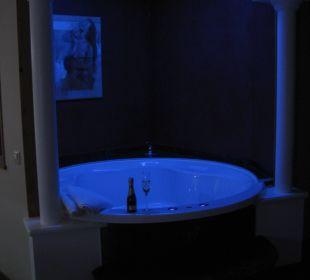 Beleuchteter Whirlpool Hotel Winzer Wellness & Kuscheln