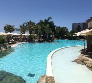 Blick auf einen der sechs Pools Lopesan Villa del Conde Resort & Spa