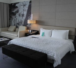 Bett Hotel Le Meridien Al Aqah Beach Resort