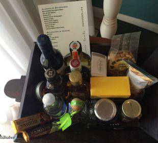 2. Mini-Bar Hotel Ocean Key Resort & Spa