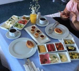 Frühstück aufs Zimmer Hotel Concorde De Luxe Resort