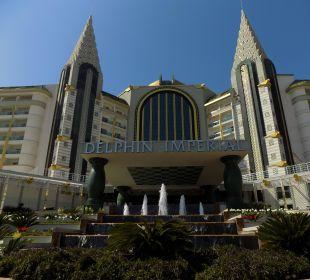 Hotelansicht  von der Hauptstrasse Hotel Delphin Imperial