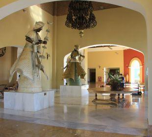 Zugang zur Lobby IBEROSTAR Hotel Bahia