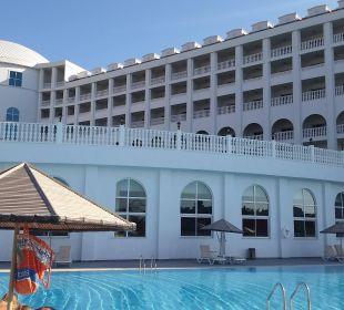 Blick auf  Hallenbad Hotel Defne Defnem