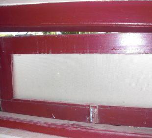 Rausgerissenes Fenster Hotel Ayurlanka