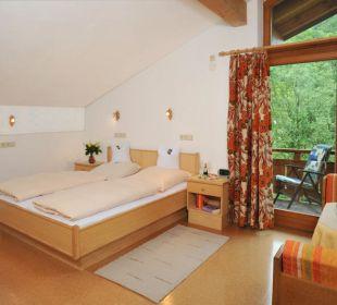 Zimmer zur Hofseite Gästehaus Flora