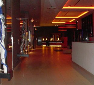 Rezpetion Leonardo Royal Hotel Munich