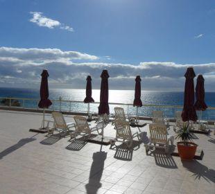 Relax-Zone mit Meerblick Hotel Atlantic Beach Club
