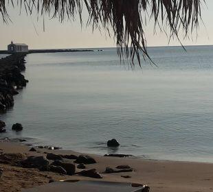 """Strand, direkt vor der """"Haustür"""" Hotel Corissia Princess"""