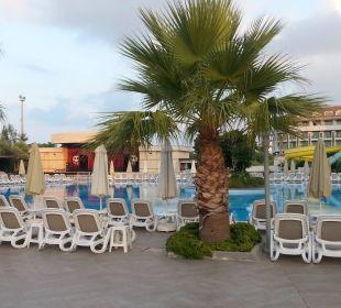Am Pool morgens um 6Uhr - alles noch ruhig Hotel Seamelia Beach Resort
