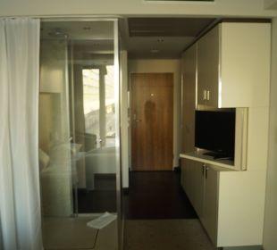 Zimmer vom Bett aus Pullman Dresden Newa