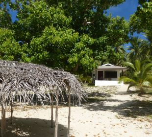 Bungalow Außenansicht Sandy Beach Resort Tonga