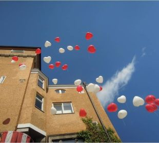 Herzluftballons anlässlich unserer Traumhochzeit Hotel Schloss Mönchstein