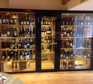 Weinschrank im Restaurant Beauty & Wellness Resort Hotel Garberhof