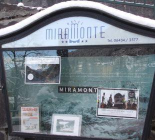 Schaukasten mit Informationen zum Hotel Miramonte Hotel Miramonte