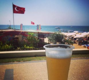 Bierchen an der strandbar  Hotel Defne Defnem