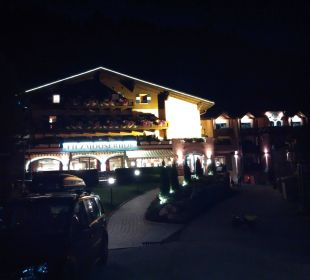 Hotel bei Nacht Familienhotel Filzmooserhof