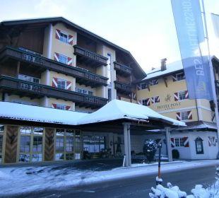 Eingang Hotel Post Lermoos