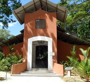 Kirche Hotel & Club Punta Leona