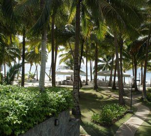 Weg zum Strand Henann Resort