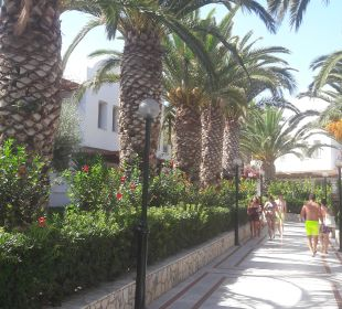 Weg zum Strand AKS Annabelle Beach Resort
