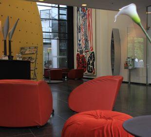 Modernes Design in der Lobby art'otel dresden