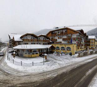 Esterno d'inverno Leading Relax Hotel Maria