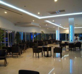 Lobby Orient Hotels Roxy Resort