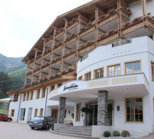 Außenansicht des Hotels AlpineResort Zell am See