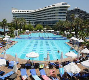 Main Pool Hotel Concorde De Luxe Resort