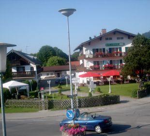 Ausblick auf die gegenüberliegende Straßenseite Hotel Bellevue