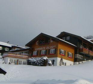 Blick von der Strasse Hotel Alpenhof Jäger