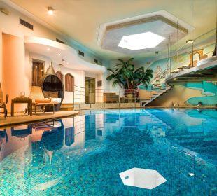 Piscina con idromassaggio Leading Relax Hotel Maria
