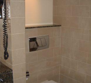 Zimmer Bad WC Hotel Grand Millennium Al Wahda Abu Dhabi