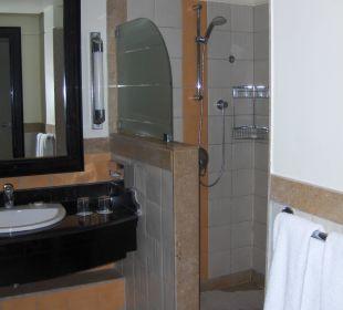 Large shower Hotel Reef Oasis Blue Bay