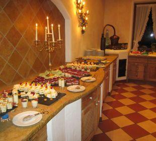 Die tägliche Versuchung: Teil des Dessertbüffets Sporthotel Ellmau