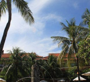 Pohled z bazénu hotelu Bali Rani Hotel