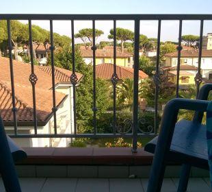 Balkon mit Blick auf Lido di Camaiore...wunderbar Hotel Fortunella