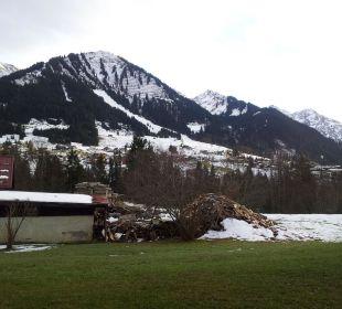 Blick von der Terrasse nach Riezlern Hotel Bellevue