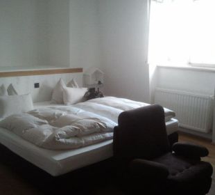 Bett seitlich Hotel Wiesler