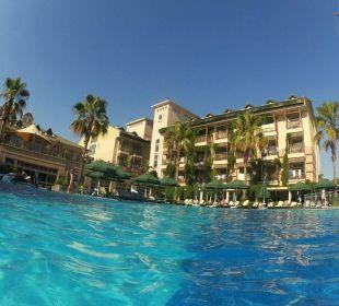 Hotelseite und Pool Hotel Can Garden Resort