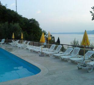 Pool mit Ausblick Hotel Residence Castelli
