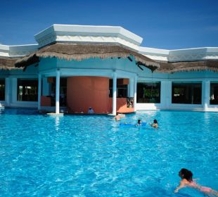 Swim Up Bar Grand Riviera Princess All Suites & Spa Resort