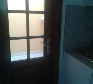 Küche - Blick zu kleinen Innenhof Dunas Maspalomas Resort