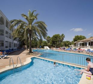 Poolanlage Hotel Ola Club Cecilia